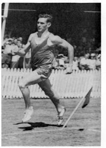 Peter Snell running